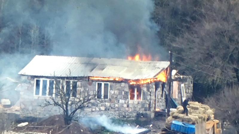 Այրվող շինությունը Կապանի վարչական տարածքում չի գտնվում. Սյունիքի մարզպետարան