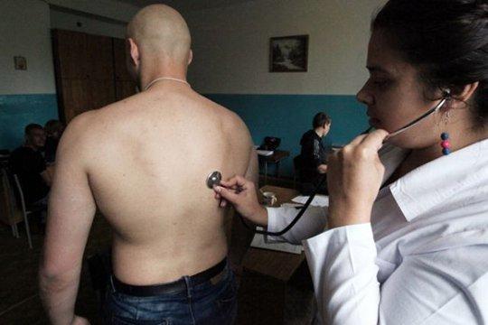 Ծառայության համար ոչ պիտանի զինակոչիկին առողջ ներկայացրած բժիշկը մեղավոր է ճանաչվել և դատապարտվել է
