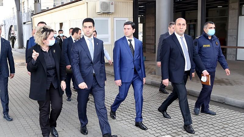 ՊԵԿ նախագահ Ռուստամ Բադասյանն աշխատանքային շրջայց է կատարել Բագրատաշենի մաքսակետում (տեսանյութ)
