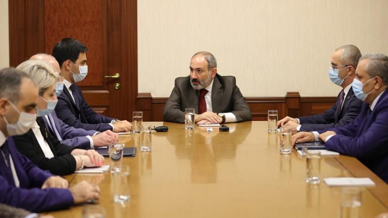 ՊԵԿ-ը պետք է լինի հարկ վճարողի բարեկամը և հարկ թաքցնողի թշնամին. վարչապետը ՊԵԿ աշխատակազմին է ներկայացրել Ռուստամ Բադասյանին (տեսանյութ)