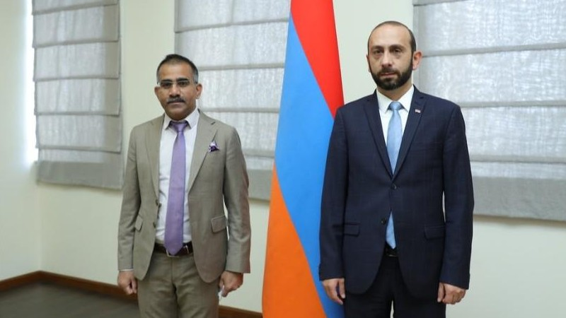 Հայաստանի արտաքին քաղաքականության առաջնահերթություններից է Հնդկաստանի հետ բարեկամական հարաբերությունների խորացումը. ԱԳ նախարարը՝ ՀՀ-ում Հնդկաստանի դեսպանին