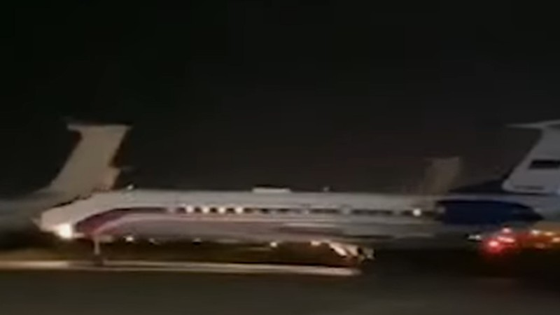 Վայրէջք է կատարել 2 ռազմագերիներին տեղափոխող ինքնաթիռը.  Factor.am (տեսանյութ)