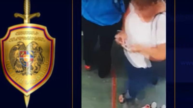 Կինը կասկածվում է դրամապանակ գողանալու մեջ (տեսանյութ)
