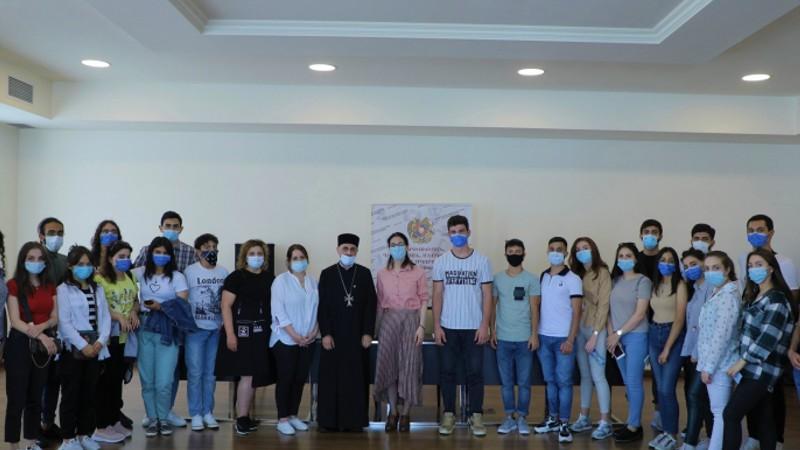 Համահայկական ճանաչողական և համագործակցության միջոցառման մասնակից վիրահայ երիտասարդներն այցելել են ԿԳՄՍՆ (լուսանկարներ)