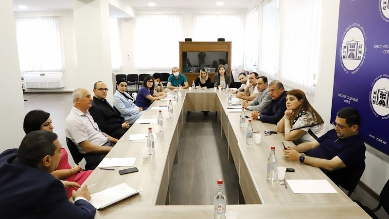 ԲԴԽ անդամները հանդիպել են Երևան քաղաքի ընդհանուր իրավասութան դատարանի քաղաքացիական գործեր քննող դատավորների հետ
