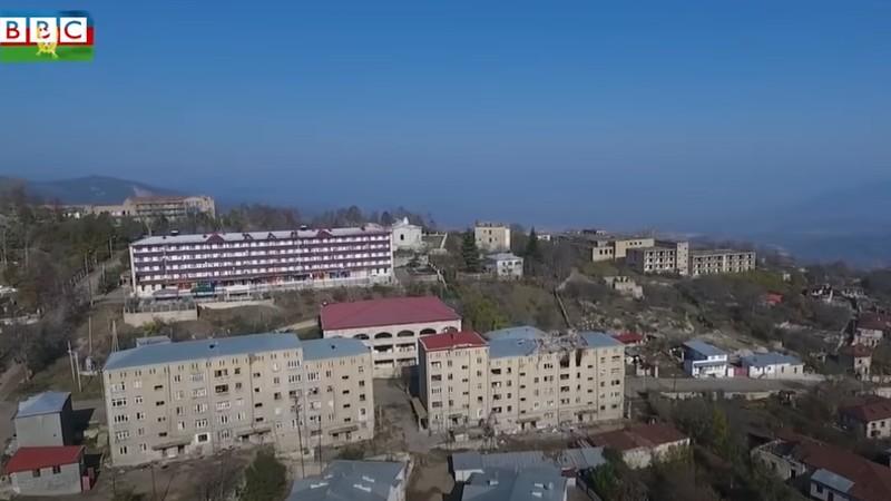 Շուշին՝ պատերազմից մեկ տարի անց. BBC-ի ռեպորտաժը (տեսանյութ)