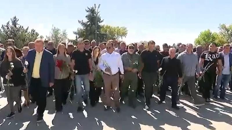 Բարգավաճ Հայաստան կուսակցության քաղխորհուրդն այսօր այցելեց Եռաբլուր՝ հարգանքի տուրք մատուցելու հերոսների հիշատակին (տեսանյութ)
