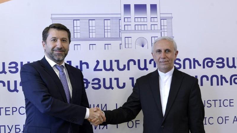 Իրանը Հայաստանում ներդրումներ անելու ծրագրեր ունի․ Կարեն Անդրեասյանը Իրանի դեսպանի հետ քննարկել է երկուստեք հետաքրքրություն ներկայացնող մի շարք հարցեր