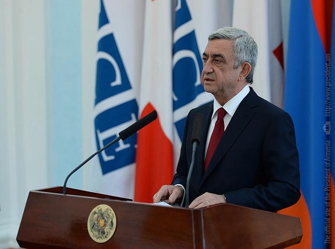 ՀՀ նախագահը հանդիպում է ԵԱՀԿ անդամ երկրների դեսպանների հետ