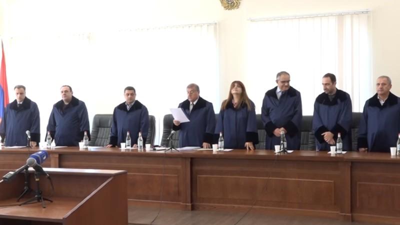 Երկու դատավորի լիազորությունները կասեցվել են Արդարադատության նախկին նախարար Ռուստամ Բադասյանի պաշտոնավարման ընթացքում ներկայացված միջնորդությունների հիման վրա (տեսանյութեր)