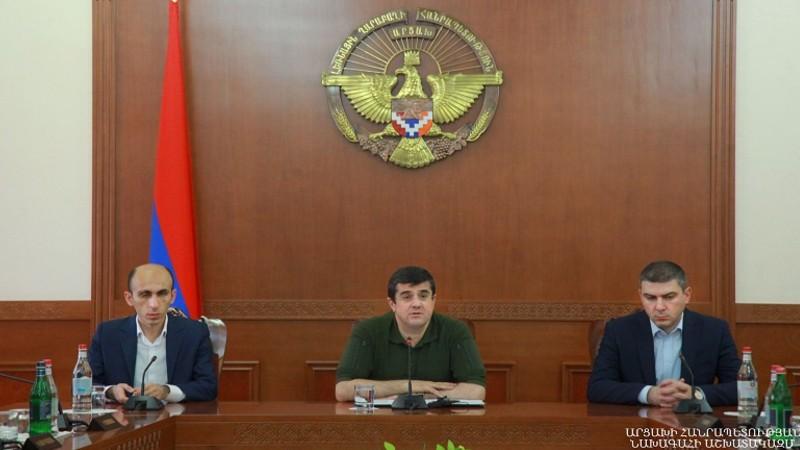 Արցախի նախագահը ներկայացրել է նորանշանակ պետնախարար Արտակ Բեգլարյանին