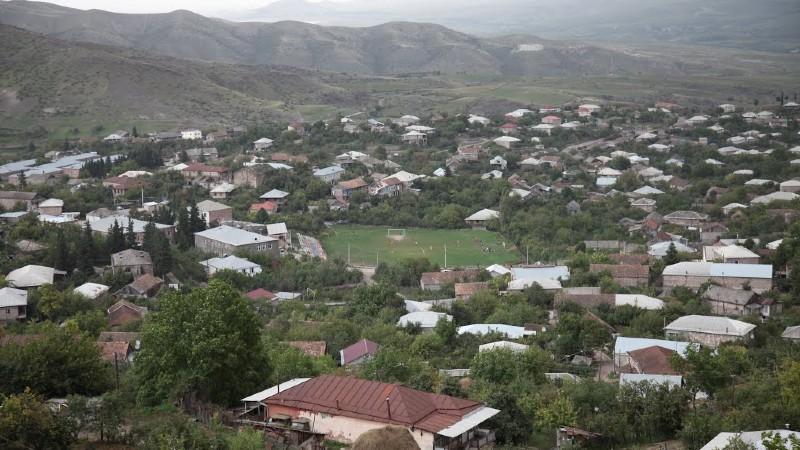 Տավուշի մարզի Բերդավան գյուղում ապօրինի ճանապարհով սահմանը հատած Ադրբեջանի քաղաքացուն հացի փռի աշխատողներն են նկատել․ Առավոտ