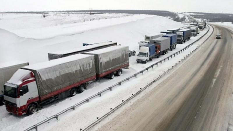 Լարսը փակ է. ռուսական կողմում 400 բեռնատար է կուտակված