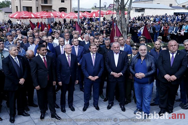 Երևանում բացվել է Արցախյան ազատամարտի զոհերի հիշատակը հավերժացնող հուշարձա (տեսանյութ)