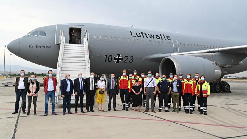 Հատուկ ինքնաթիռով Գերմանիայից Հայաստան է ժամանել բժիշկների և առողջապահության ոլորտի մասնագետների առաքելությունը (լուսանկարներ)