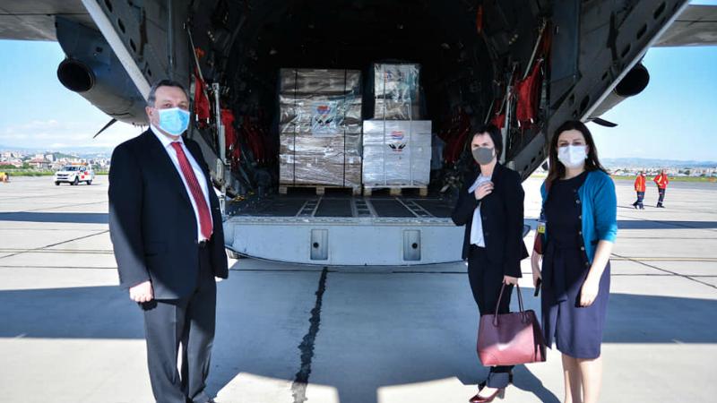 Լիտվական ռազմական օդանավով փոխադրվող 10 600 դեմքի պաշտպանիչ վահանները հասել են Հայաստան․ ԱԳՆ (լուսանկարներ)