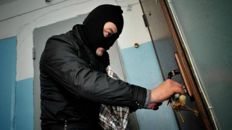 Բացահայտվել է Մոլդովական փողոցի բնակարաններից մեկից գողություն կատարելու փորձը․ 36-ամյա տղամարդը ձերբակալվել է