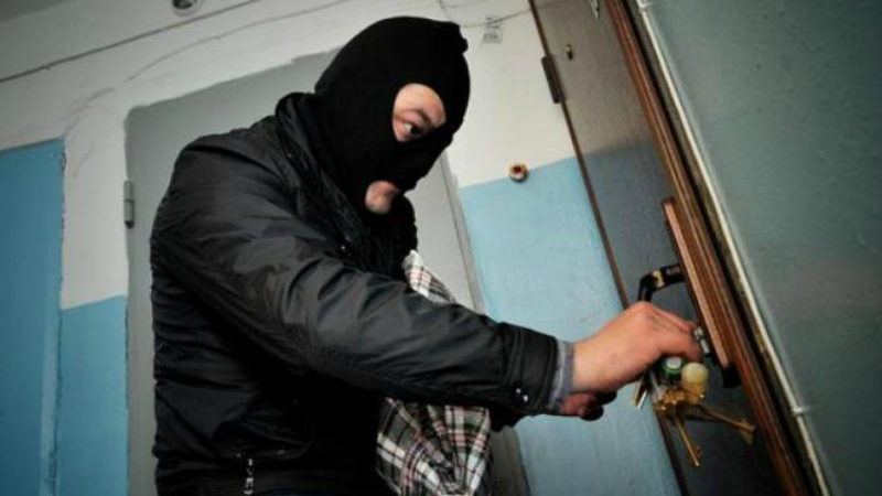 Բնակարանագողերը բռնվեցին հանցանքի վայրում. ոստիկանություն