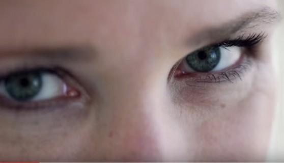 Ինչպե՞ս լոգանք ընդունելիս պաշտպանել արհեստական թարթիչները (տեսանյութ)