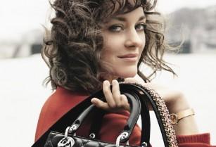 Մարիոն Կոտիյարը ցուցադրել է նոր Lady Dior պայուսակները (լուսանկարներ)