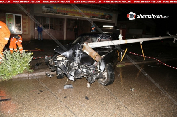 Հրազդանում մեքենան դուրս է եկել ճանապարհի երթևեկելի գոտուց և բախվել էլեկտրասյանը. վարորդը տեղում մահացել է