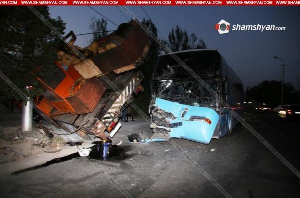 Երևանում բախվել են մարդատար ավտոբուսն ու KAMAZ-ը, վերջինը կողաշրջվել է․ կա վիրավոր