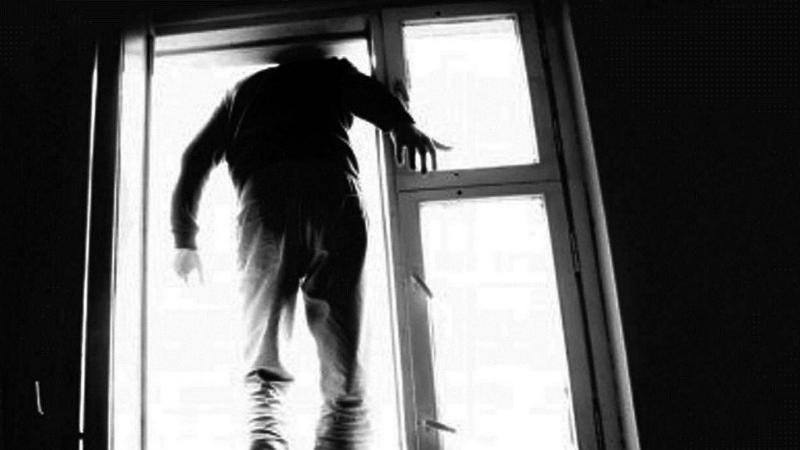 Երեխաների հետ պատուհանից ցած նետված ու  ինքնասպան եղած քաղաքացին նրանց հայրն է. մանրամասներ