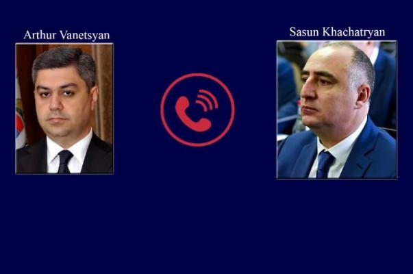 Հեռախոսազրույցից ակնհայտ է երկու պաշտոնյայի ակնարկը