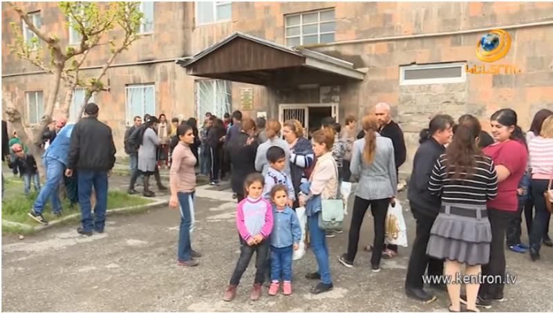 «Գագիկ Ծառուկյան» հիմնադրամը խոշոր աջակցություն է ցուցաբերել Արմավիր մարզի ավելի քան 300 ընտանիքի