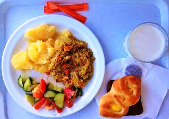 Ինչպես են կերակրում աշխարհի տարբեր հիվանդանոցներում (լուսանկարներ)