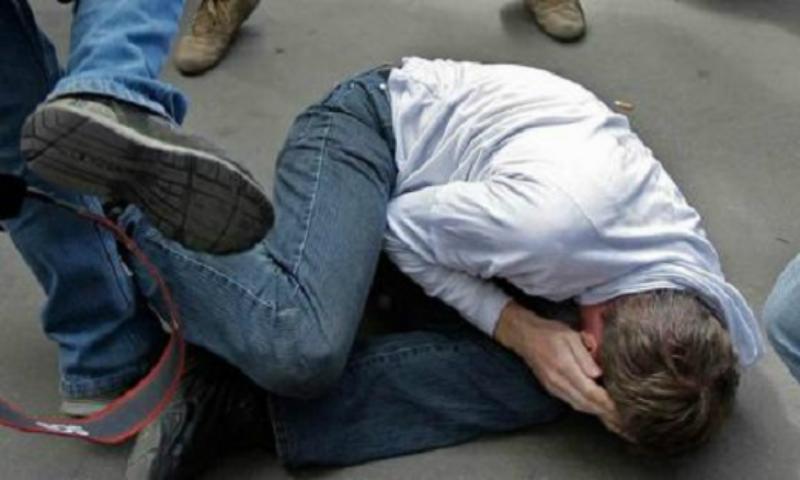 22-ամյա երիտասարդը բռունցքներով և ոտքերով հարվածել է տղամարդուն՝ պատճառելով մարմնական վնասվածքներ