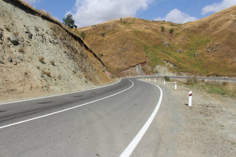 Աշտարակ-Եղվարդ ավտոճանապարհին իրականացվում են հիմնանորոգման աշխատանքներ