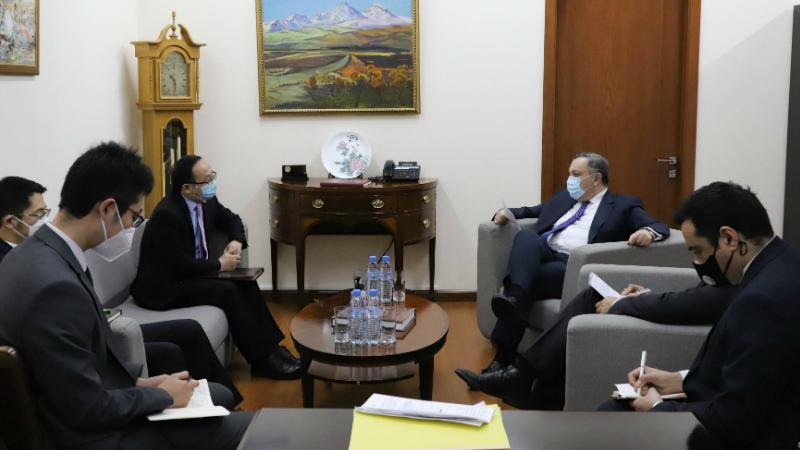 ԱԳ փոխնախարարը ՀՀ-ում Չինաստանի դեսպան տեղեկատվություն է հաղորդել թուրք-ադրբեջանական ագրեսիայի հետևանքով Արցախում առաջացած իրավիճակի վերաբերյալ