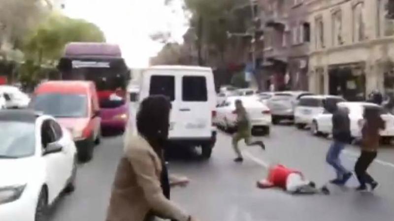 Մաշտոցի պողոտայում վարորդը մեքենան վարել է փողոցը փակած քաղաքացու վրա (տեսանյութ)