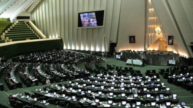Իրանի Մեջլիսի պաշտոնական տեսակետը` պահպանել չեզոքություն և վերադառնալ խաղաղ բանակցությունների