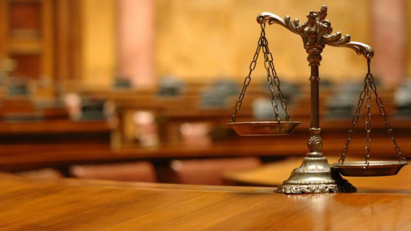 Հրազդանի դատարանում անձի առևանգման մեջ մեղադրվող 37-ամյա տղամարդը պատուհանից իրեն ցած է նետել և դիմել փախուստի