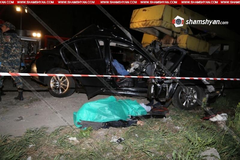 Երևանում Nissan-ը մխրճվել է МАЗ-ի մեջ. վարորդը և ուղևորը տեղում մահացել են