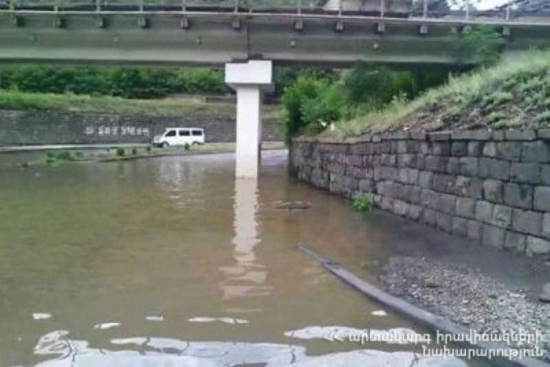 Հորդառատ անձրեւներից Ալավերդի քաղաքի ջրահեռացման համակարգը խափանվել է