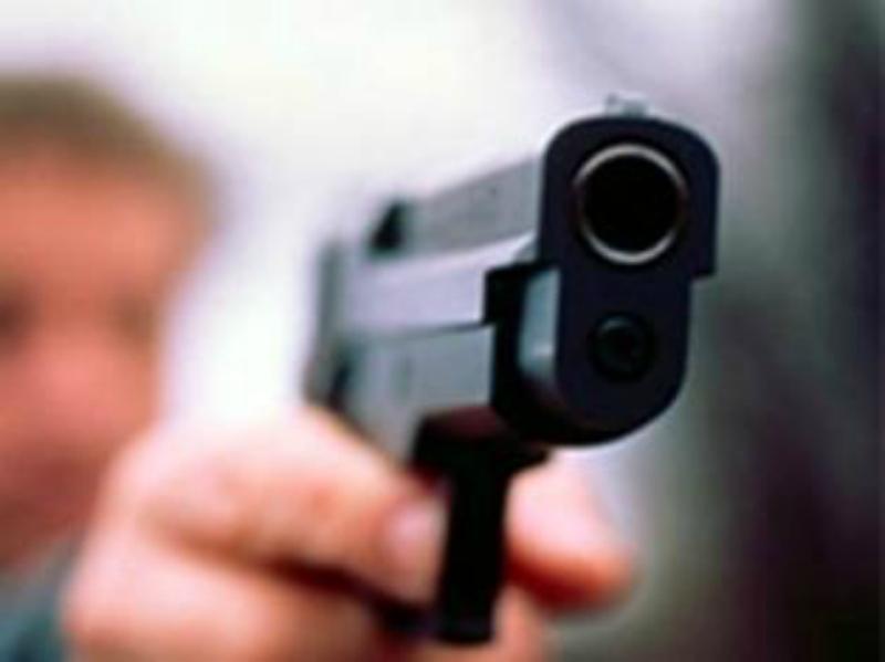 20-ամյա երիտասարդին մեղադրանք է առաջադրվել՝ զենքի գործադրմամբ ավազակային հարձակում կատարելու համար