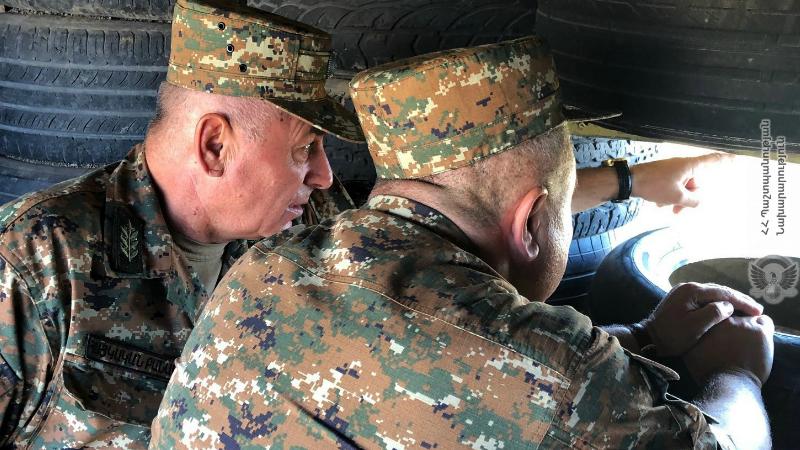 ԶՈւ ԳՇ պետի տեղակալ Անդրանիկ Մակարյանը ստուգայց է կատարել 5-րդ զորամիավորման N զորամասի մարտական հենակետերում (լուսանկարներ)
