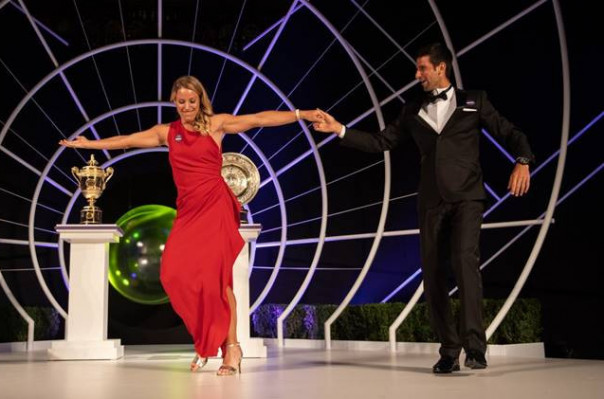 Ուիմբլդոնի հաղթողներ Ջոկովիչն ու Կերբերը պարել են միասին (տեսանյութ)