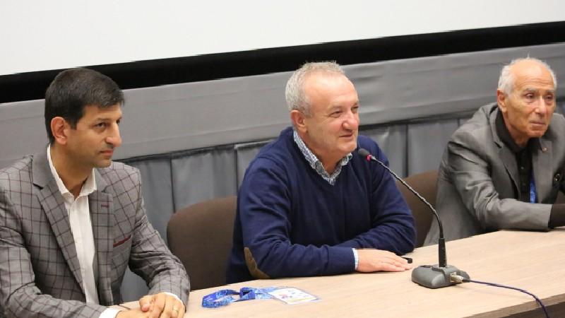 «Ձեր միջոցով պետք է գրանցենք մեր լավագույն հաղթանակները». Վահրամ Դումանյանը Կազանում հանդիպել է հայ մարզիկների հետ