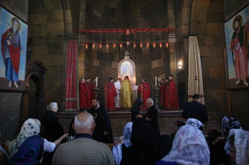 Արտակարգ դեպք Երևանում. տարբեր եկեղեցիներ ներխուժած անձինք պատարագի ժամանակ անվայել արտահայտություններով վիրավորել են հավատացյալներին. Shamshyan.com
