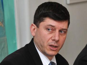 Ադրբեջանը պատերազմում կրել է 170 մլն դոլարի կորուստ . Հովսեփ Խուրշուդյան