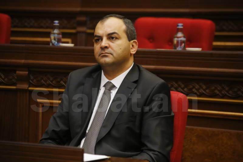 Գլխավոր դատախազը Մանվել Գրիգորյանին վերաբերող 2 միջնորդություն ներկայացրեց ԱԺ-ին