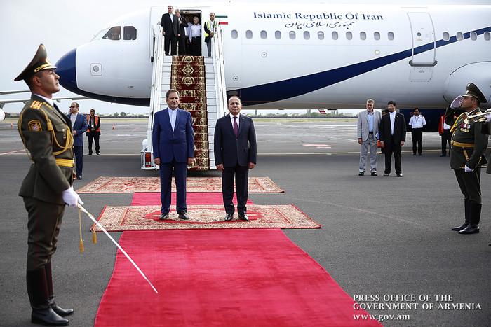 Հայաստան է ժամանել Իրանի առաջին փոխնախագահ Էսհաղ Ջահանգիրին (լուսանկարներ)