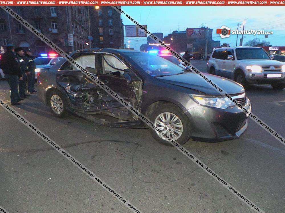 Երևանում՝ Սասունցի Դավթի արձանի դիմաց, բախվել են Toyota Camry-ն ու Lada Priora-ն. 3 վիրավորներից մեկը հղի կին է