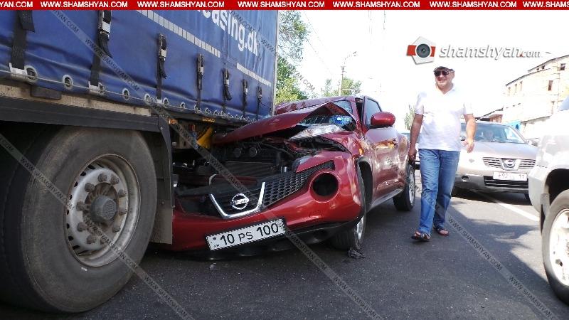 Խոշոր ավտովթար Երևանում. Nissan-ը մխրճվել է կայանված բեռնատար Mercedes-ի մեջ. կա վիրավոր