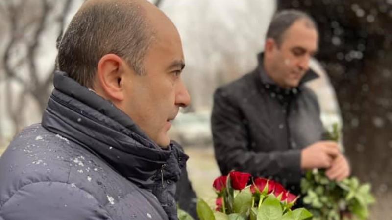 Այցելել ենք Մյասնիկյանի արձանին հարող խորհրդանշական վայր՝ հարգանքի տուրք մատուցելու. Էդմոն Մարուքյան