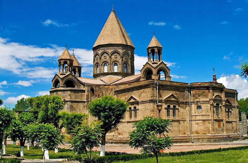 Հայոց եկեղեցիներում կատարվում է հոգեհանգստյան կարգ՝ ի հիշատակ Շառլ Ազնավուրի